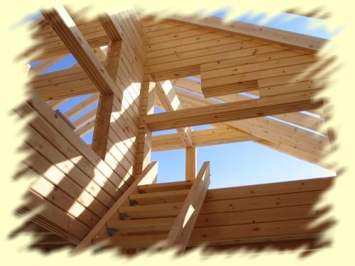 Сроки строительства дома из клееного бруса, конечно, несравнимо меньше сроков строительства домов из цельного бруса. Так как все детали изготовлены с высокой точностью в заводских условиях при постоянной температуре и влажности, сборка конструкции дома производится легко и быстро, монтаж на готовом фундаменте не превышает 5-6 недель. Кроме того, дом из клееного бруса не требует времени на усадку (усадка дома не превышает 1 % , в отличие от профилированного бруса, усадка которого составляет 7%). Это позволяет существенно экономить на сроках проведения отделочных работ и возводить дома круглый год. Практическое отсутствие усадки позволяет, например, ставить в доме современные витражи любых размеров. Другое несомненное достоинство клееного дерева  -  возможность проводить скрытую разводку инженерных коммуникаций, например, в столбах, деревянных балках, перекрытиях. И, наконец, клееный брус  -  практически готовый фасадный материал.